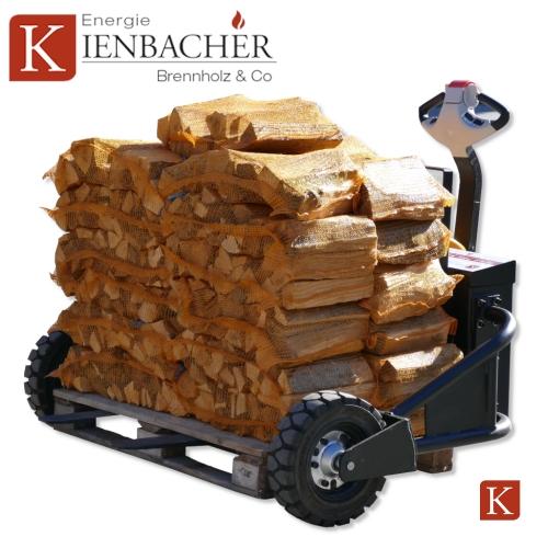 Brennholz in Netzsäcken